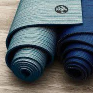 ISO (Buying only) Manduka PRO mat opalescent